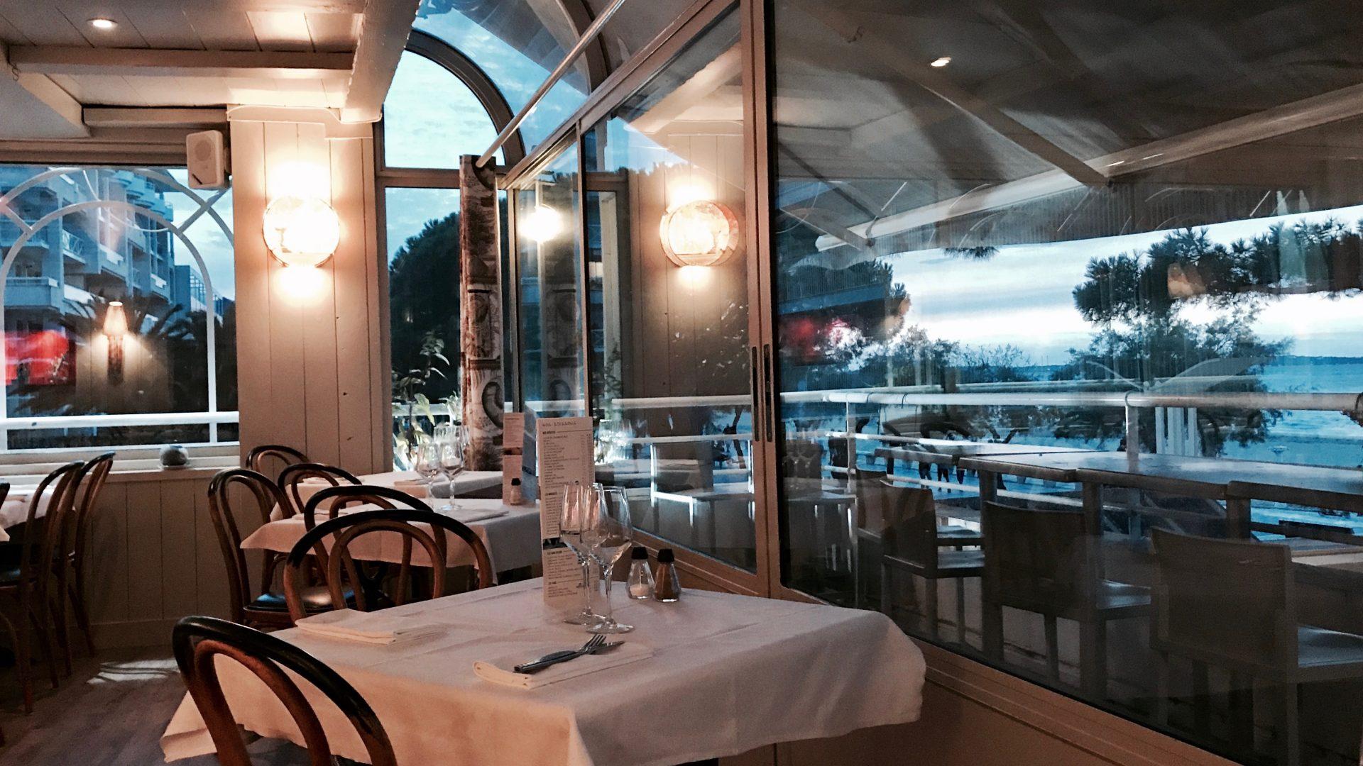 restaurant-front-mer